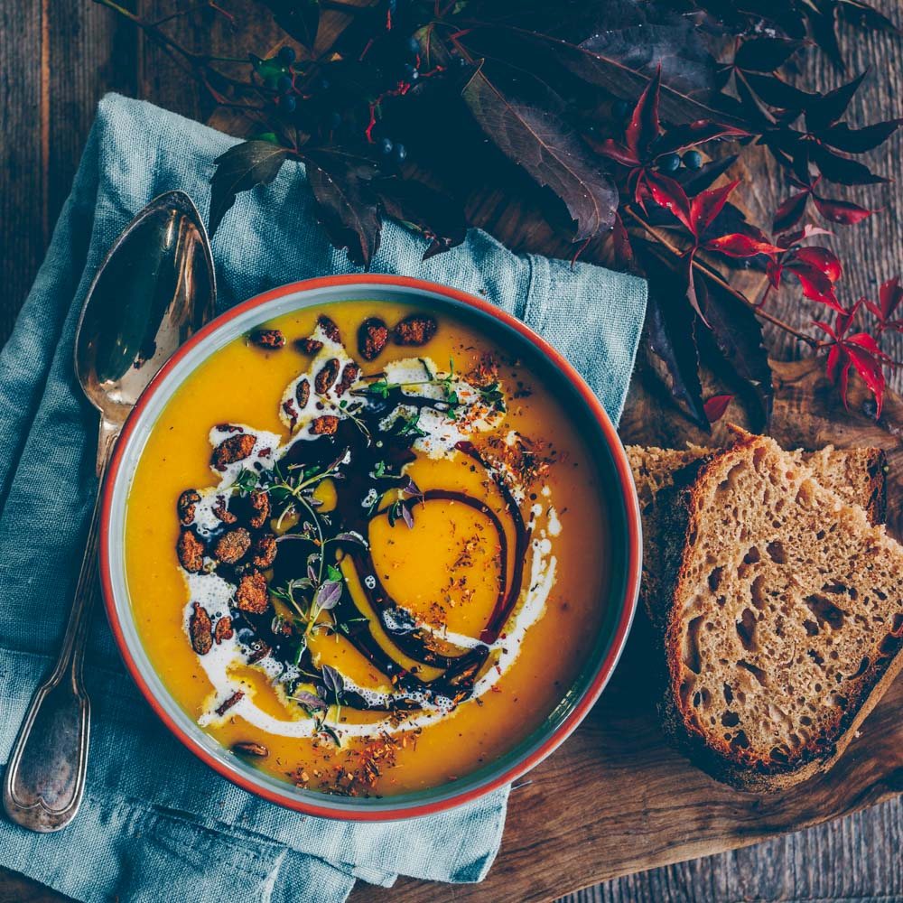 Pumpkin soup with apple and parsnip