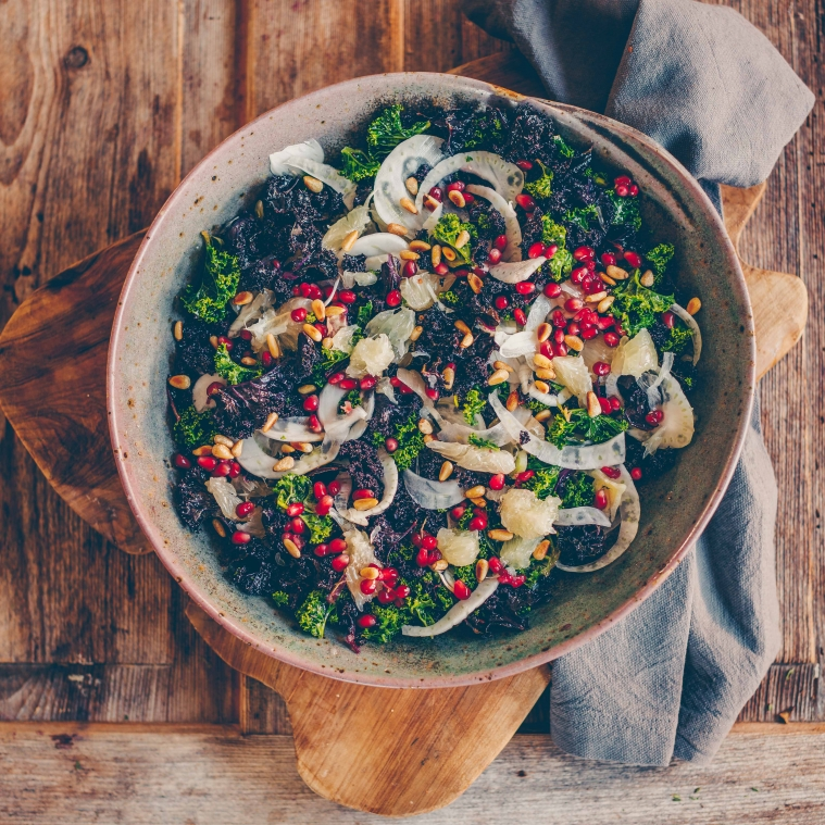 Kale salad with pomelo, fennel and pomegranate – and a give away